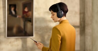 HUAWEI suggest Audio Family with 3 wireless headphone and smart glass