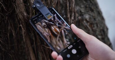 Samsung x CU donote phone for youth education with microscope camera