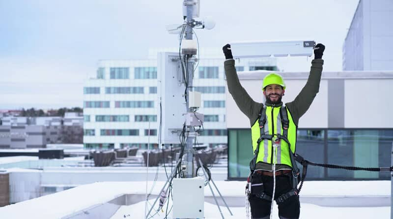 Ericsson accelerate 5G mid-band rollouts with ultra light massive MIMO and RAN compute solutions