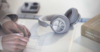 Bang & Olufsen introduce Beoplay Portal headphone