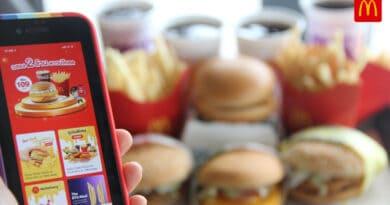 Celebration 2 million McDonald app downloaded