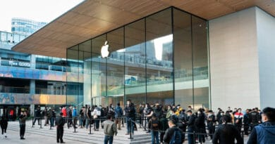 Apple reports third quarter results